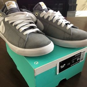 outlet store 19ae4 d7424 Nike Shoes - Nike SB Blazer Low GT